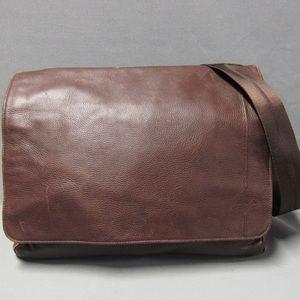 auth TUMI leather MESSENGER BAG laptop bag $429msr